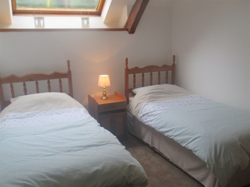 Graianog Farmhouse Annexe twin bedroom